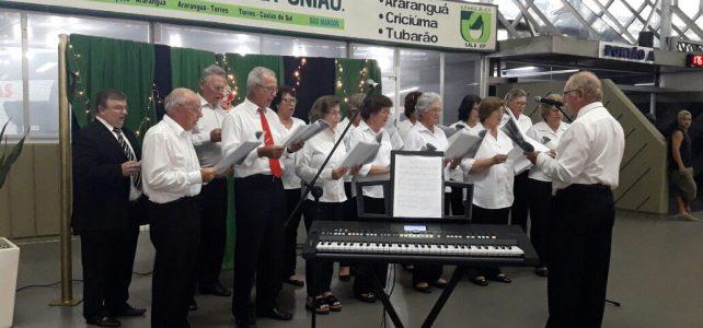 Imagens do Recital de Natal no Terminal Rita Maria